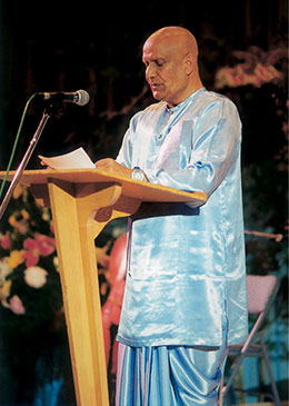 Sri Chinmoy gives lecture in Oslo
